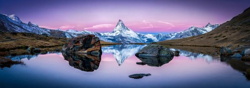 Stellisee in der Schweiz mit Matterhorn im Hintergrund Panorama